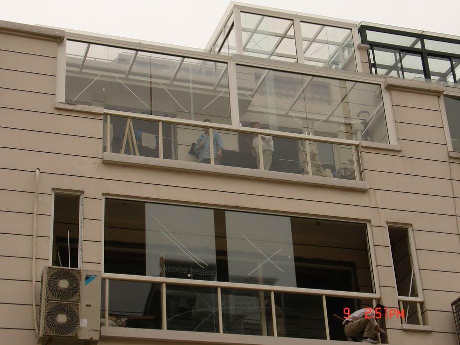工厂钢构大门-断桥隔热门窗 钢结构 门窗 玻璃工程