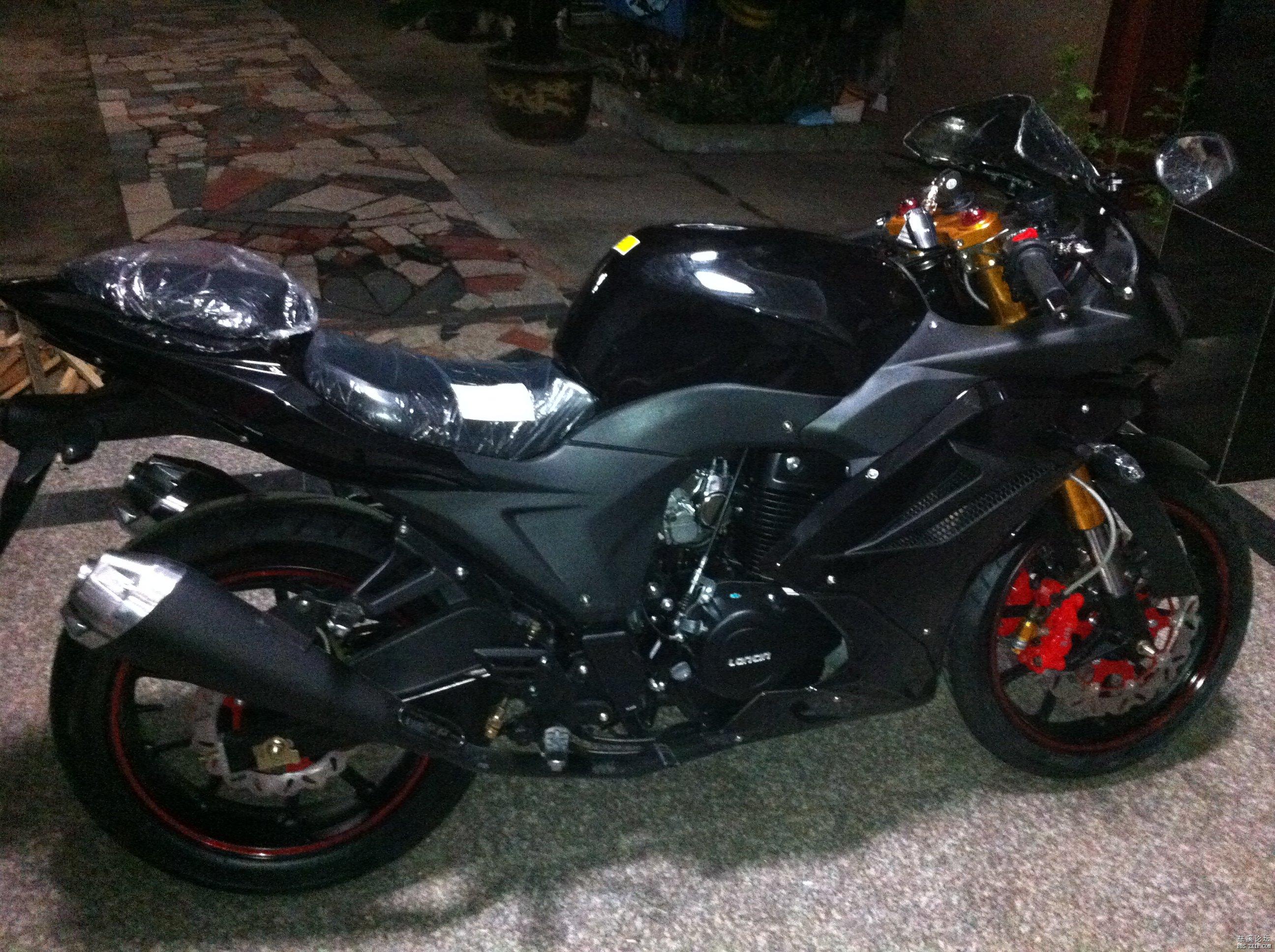 全新地平线款250cc摩托跑车 高清图片