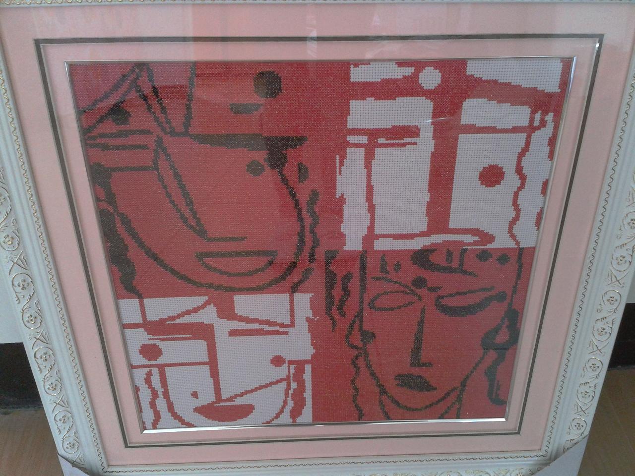 这个比较抽象,喜怒哀乐四张脸谱,52*55cm的,已框裱,也很漂亮