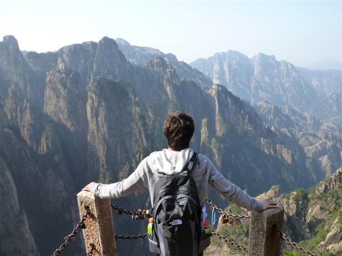 背包旅游_男士旅游背包性价比休闲旅游背包质量好推荐