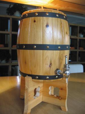 青岛木桶扎啤图片