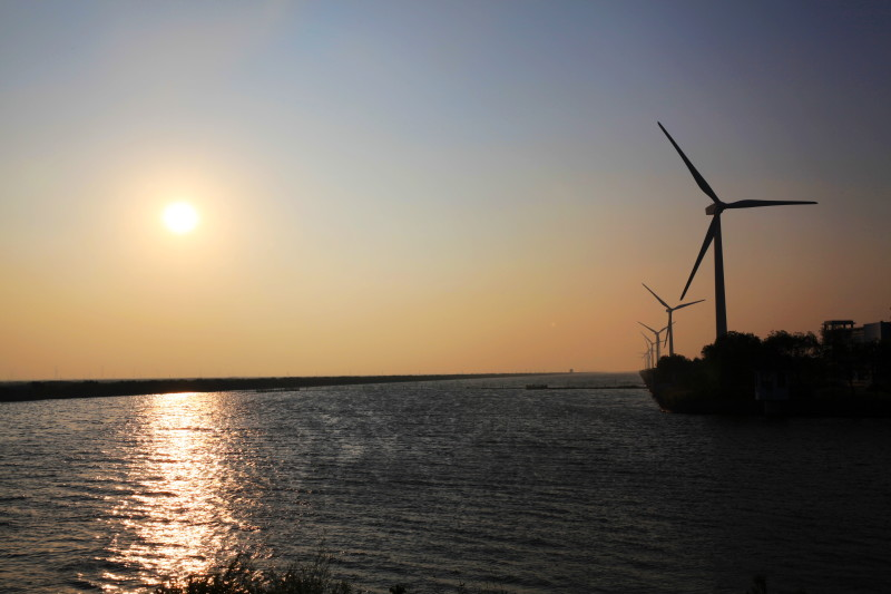 的美景——风车下的夕阳