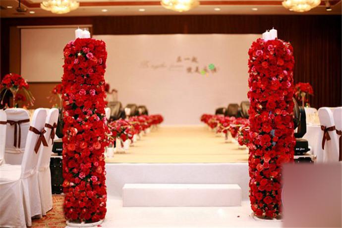 酒店婚礼现场布置效果图推荐 完美婚礼你值得拥有