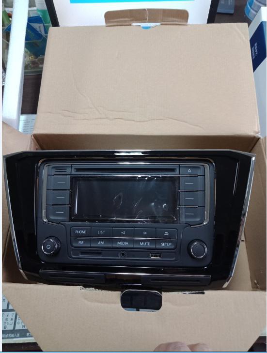 出售一台全新帕萨特收音机